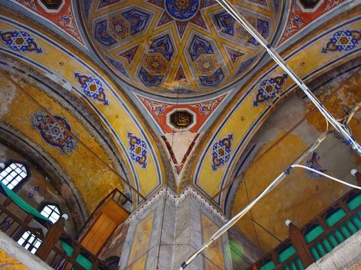 Gül Camii kubbe, kemerler ve genel görünüm (eski ismi Aziz Theodosia Kilisesi) - Gül Mosque dome, arches and general view (former name St. Theodosia Church)