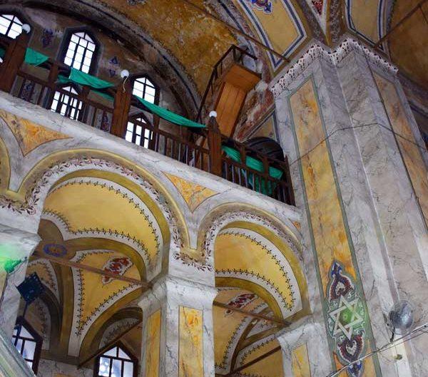 İstanbul Gül Camii minber, pandantif ve cami içi - Istanbul Gül Mosque pulpit, pendant and mosque interior