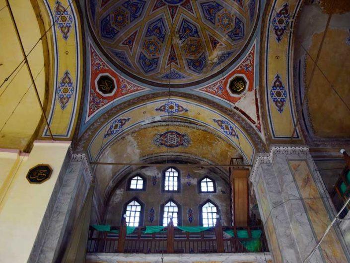 İstanbul Balat Ayakapı Gül Cami iç dekorasyon ve kubbe süslemeleri - Istanbul Balat Ayakapi Gul Mosque interior decoration and dome decorations