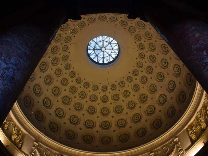Torino Gran Madre di Dio Kilisesi kubbe içi - dome of the Gran Madre Di Dio Church in Turin
