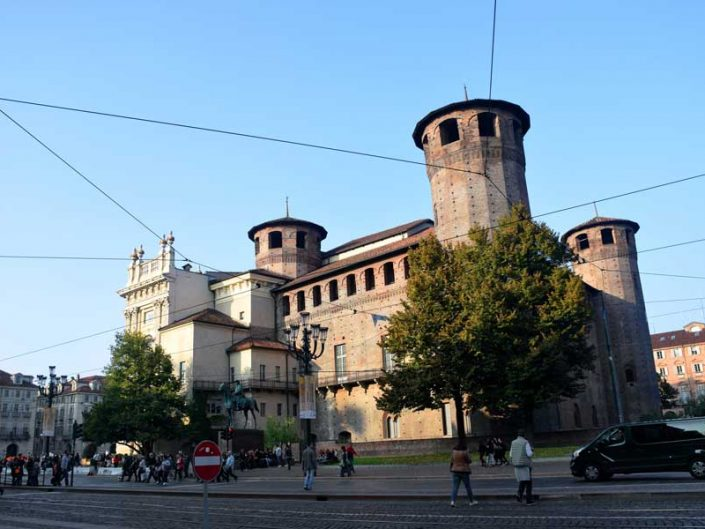 Torino gezilecek yerler Acaja Kalesi Savoy Kraliyet Evi Konutları fotoğrafları - Places of Attraction in Turin Acaja castle