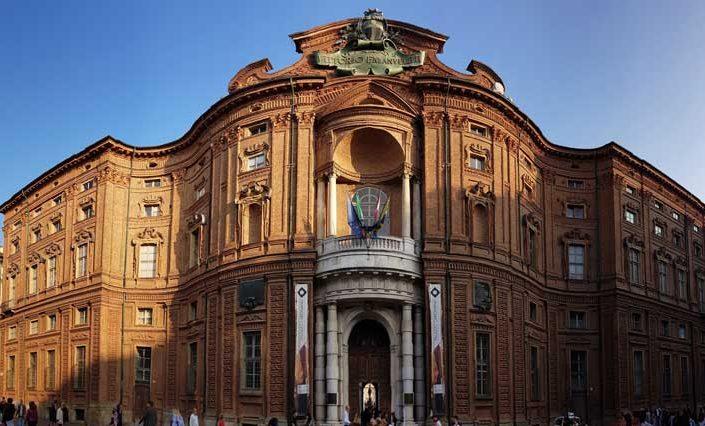 Torino tarihi yerler fotoğrafları Savoy Sarayı - Turin historical places Savoy court