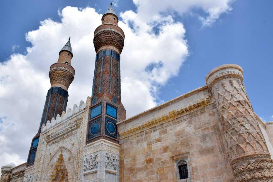Gök Medrese veya Sahibiye Medresesi minareleri fotoğrafları - Sivas Gok Madrasah photos
