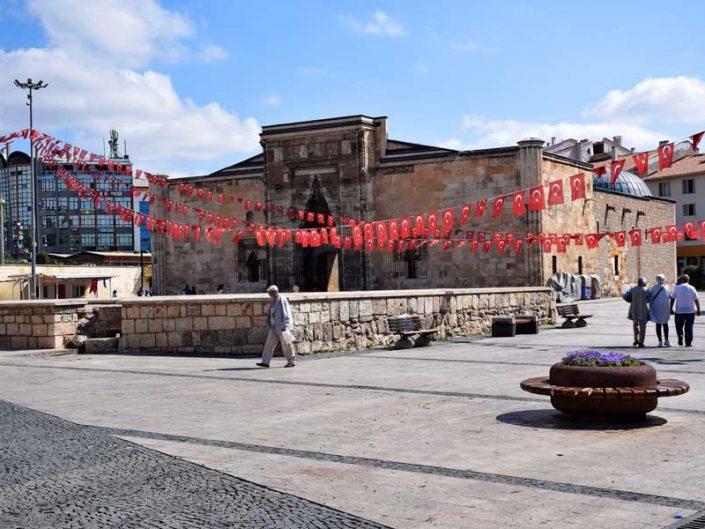 Sivas gezilecek yerler Anadolu Selçuklu mimari eseri Buruciye Medresesi - Sivas places to visit Rum Seljuk Sultanate architecture Buruciye Madrasa