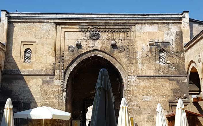 Sivas gezilecek yerler Buruciye Medresesi iç avlu - Sivas places to visit Buruciye madrasah inner courtyard