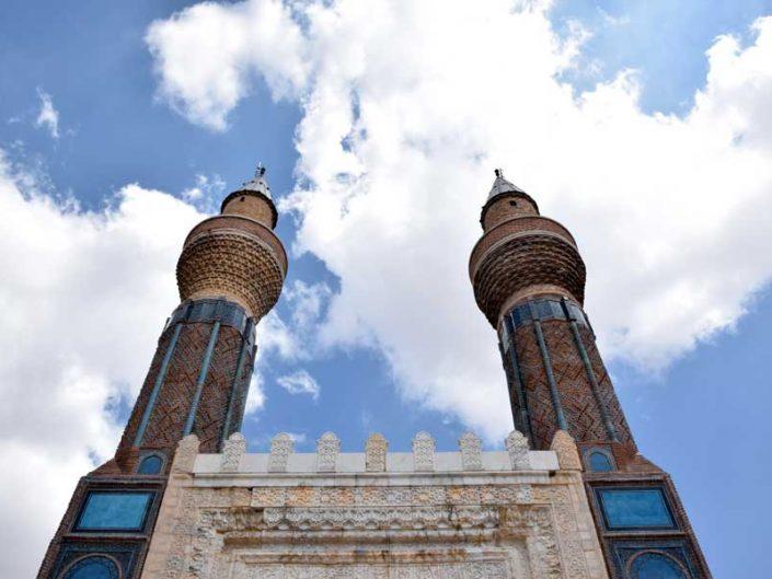 Sivas gezilecek yerler Gök Medrese Anadolu Selçuklu eseri - Sivas places to visit Rum Seljuk Sultanate art Gok Madrasah