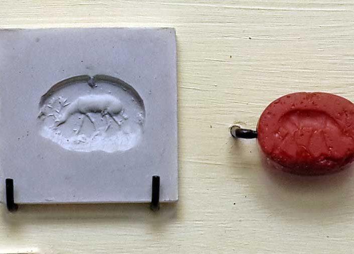 Ankara Polatlı Gordion Müzesi eserleri fotoğrafları Frig dönemi mühür - Gordion Museum Phrygian period seal