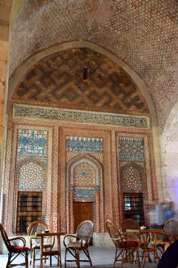 Şifaiye Medresesi I. İzzettin Keykavus türbesi - Sivas Sifaiye Madrasah Kaykavus I tomb and Seljuk period tiles