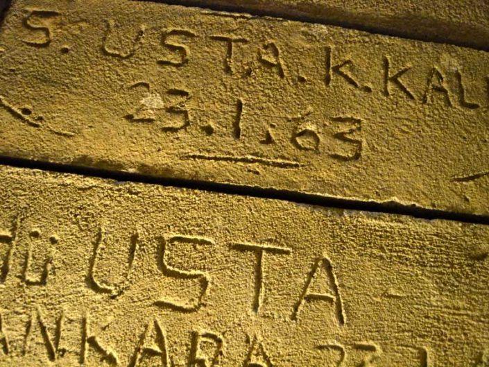 Yassıhöyük veya Kral Midas tümülüsü tüneli yapım ustalarının bıraktığı izler - Ankara Yassihoyuk or King Midas's tumulus traces left by the masters