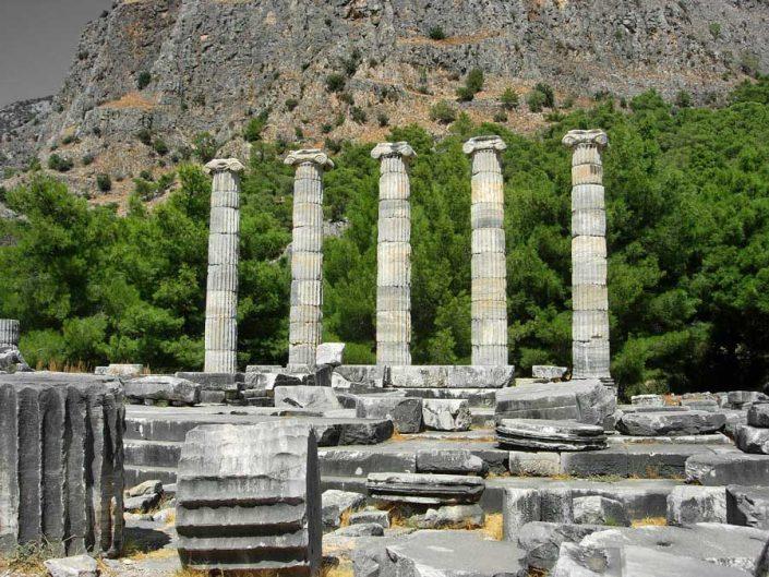 Aydın antik kentler Priene antik kenti Athena Tapınağı - Priene ancient city temple of Athena