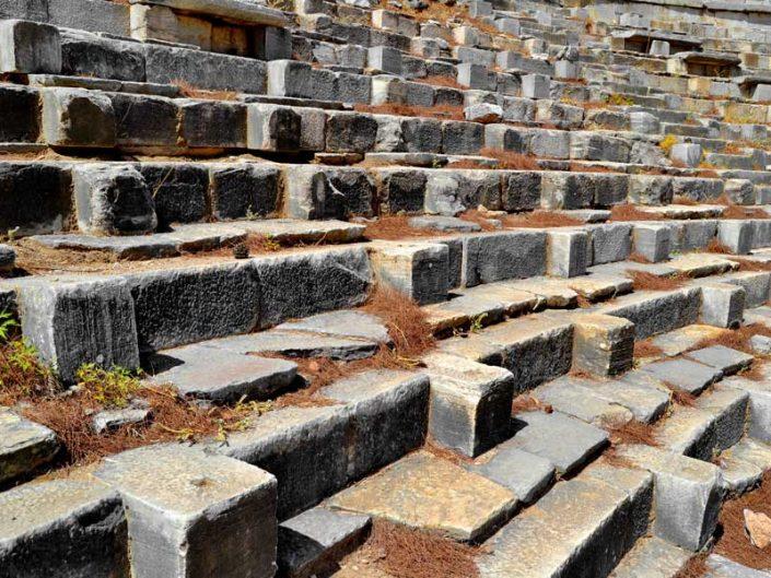 Aydın gezilecek yerleri Priene antik tiyatrosu oturma bölümü cavea - Aydin places to visit Priene ancient city theatre cavea