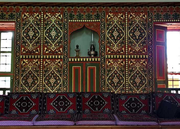 Burdur gezilecek yerler Bakibey Konağı başoda iç mekan kalemişi süslemeler - Historical places in Burdur, Bakibey mansion main room hand-drawn wall decoration