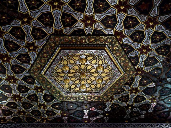 Geleneksel Türk mimarisi Bakibey Konağı başoda tavan bezemeleri - Traditional Turkish architecture Bakibey mansion main room ceiling decorations