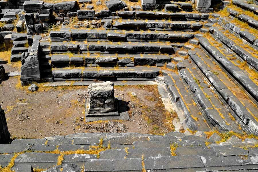 Priene antik kenti Bouleuterion fotoğrafları - Priene ancient city bouleuterion photos