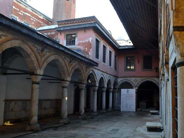 Topkapı Sarayı Harem Bölümü Cariyeler Taşlığı - Topkapı Palace Harem Section Concubine's Courtyard