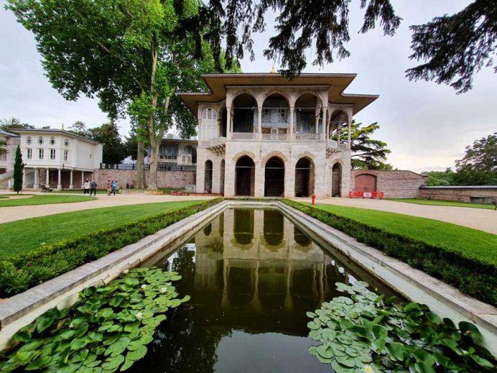 Topkapı Sarayı dördüncü avlu ve Bağdat Köşkü - Topkapı Palace 4th courtyard and Bağdat Kiosk