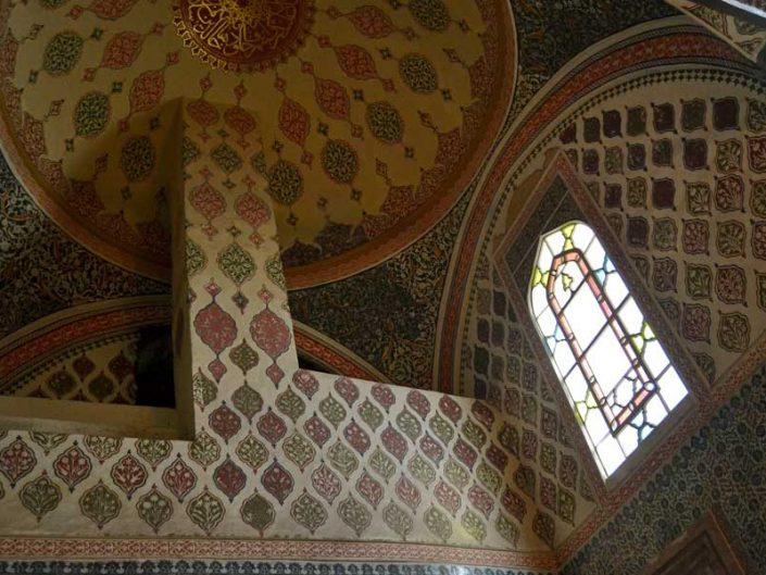 Topkapı Sarayı III. Ahmed Has Odası (Yemiş Odası) duvar süslemeleri - Topkapı Palace Harem Section Sultan 3rd Ahmed Main Chamber (Fruit Room) wall and dome decorations